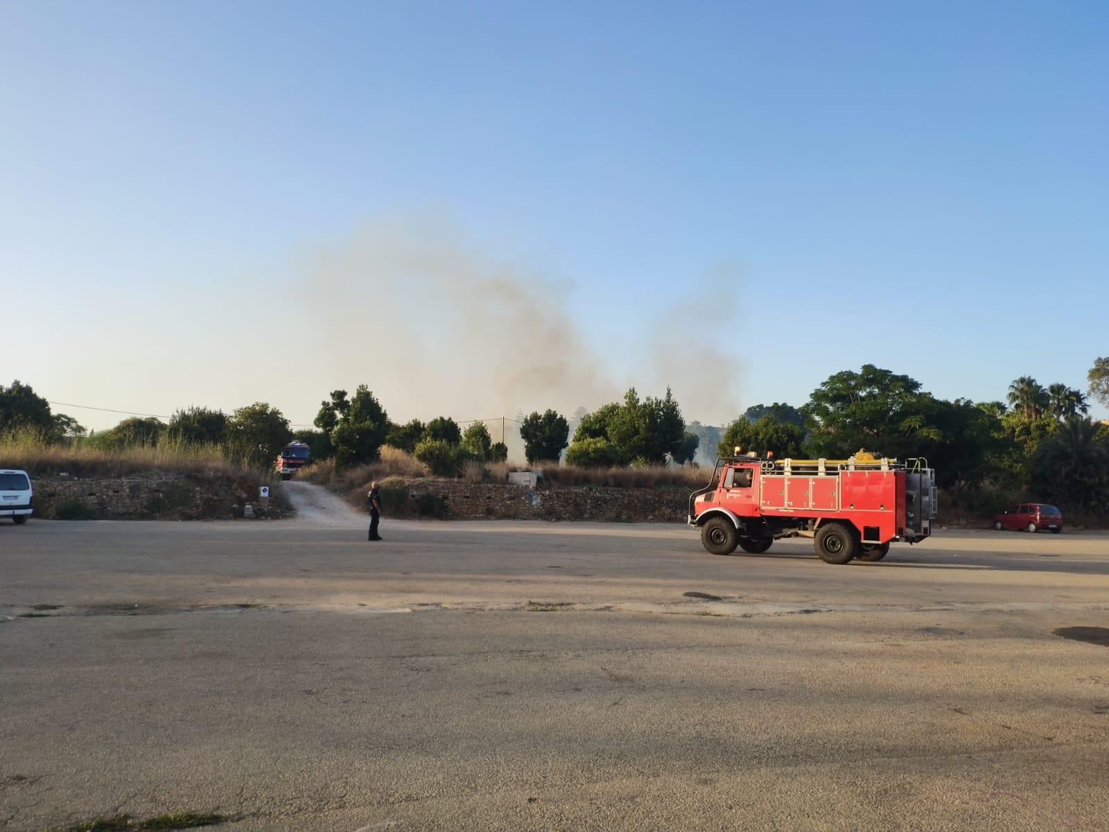 Camión de bomberos en Torrecremada