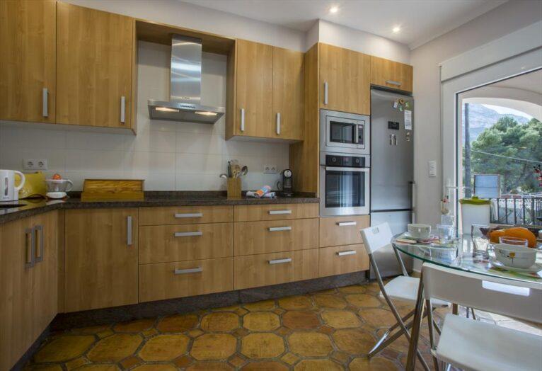 Cocina casa Denia Aguilar Rent a Villa