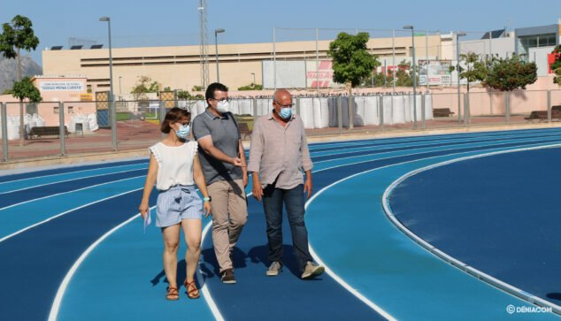 Image: The City Council runs through the new athletics track