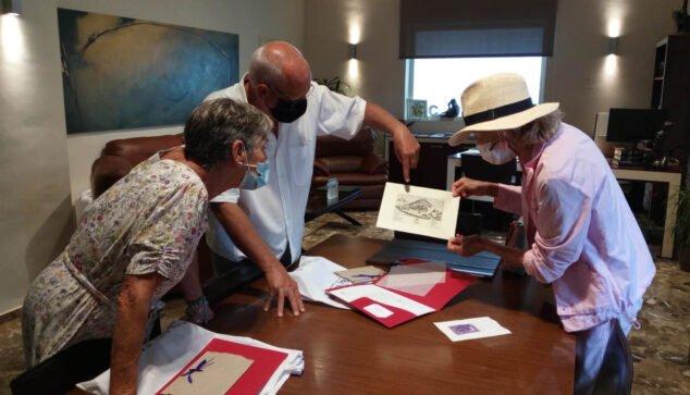 Image: Grimalt gives De la Vega the stamp of the castle