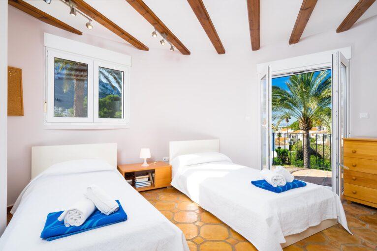 Habitación individual Denia Aguilar Rent a Villa