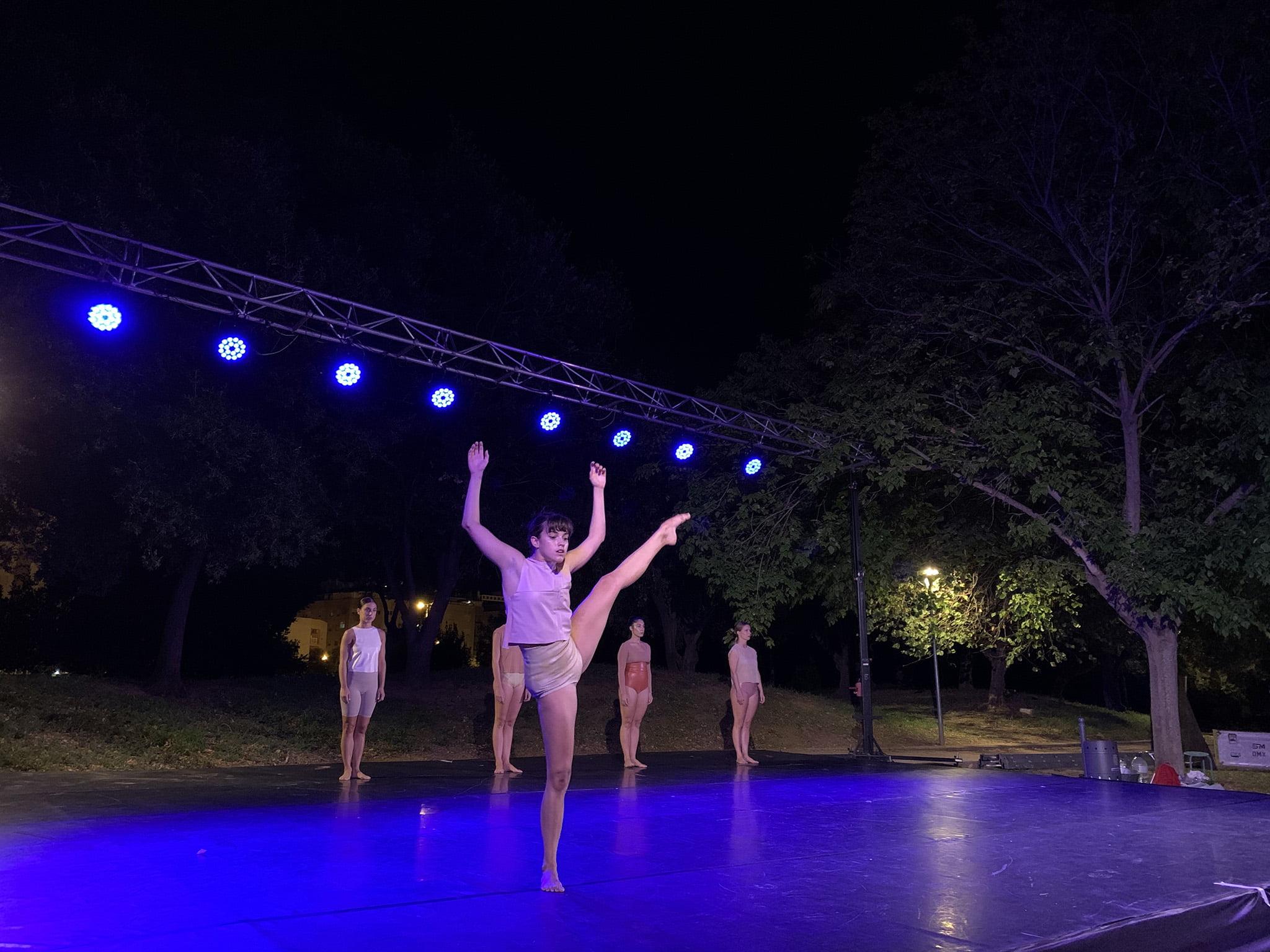 Actuación en el festival Dansant la Marina 02