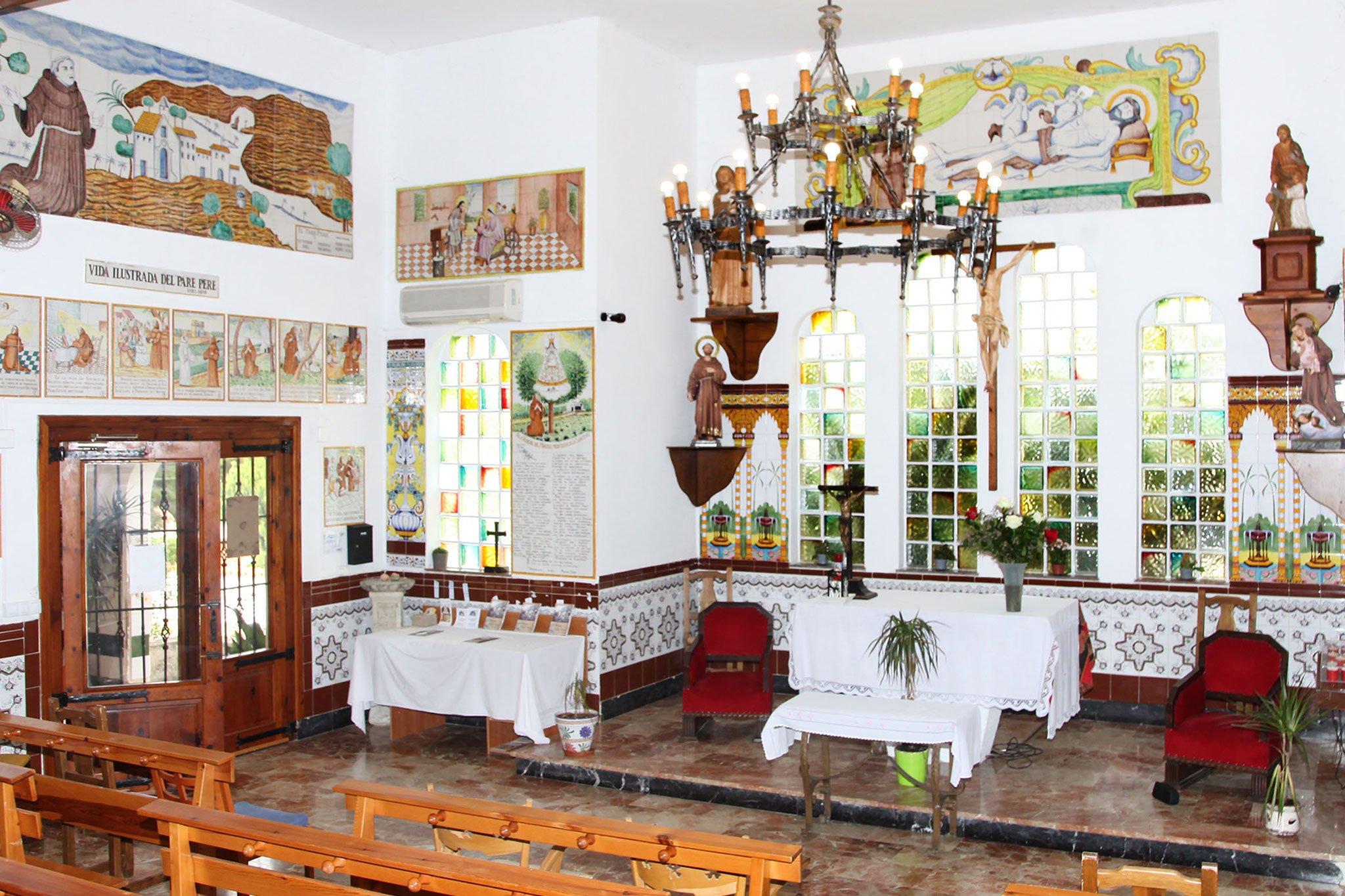 Altar en la ermita del Pare Pere | Imagen: Tino Calvo
