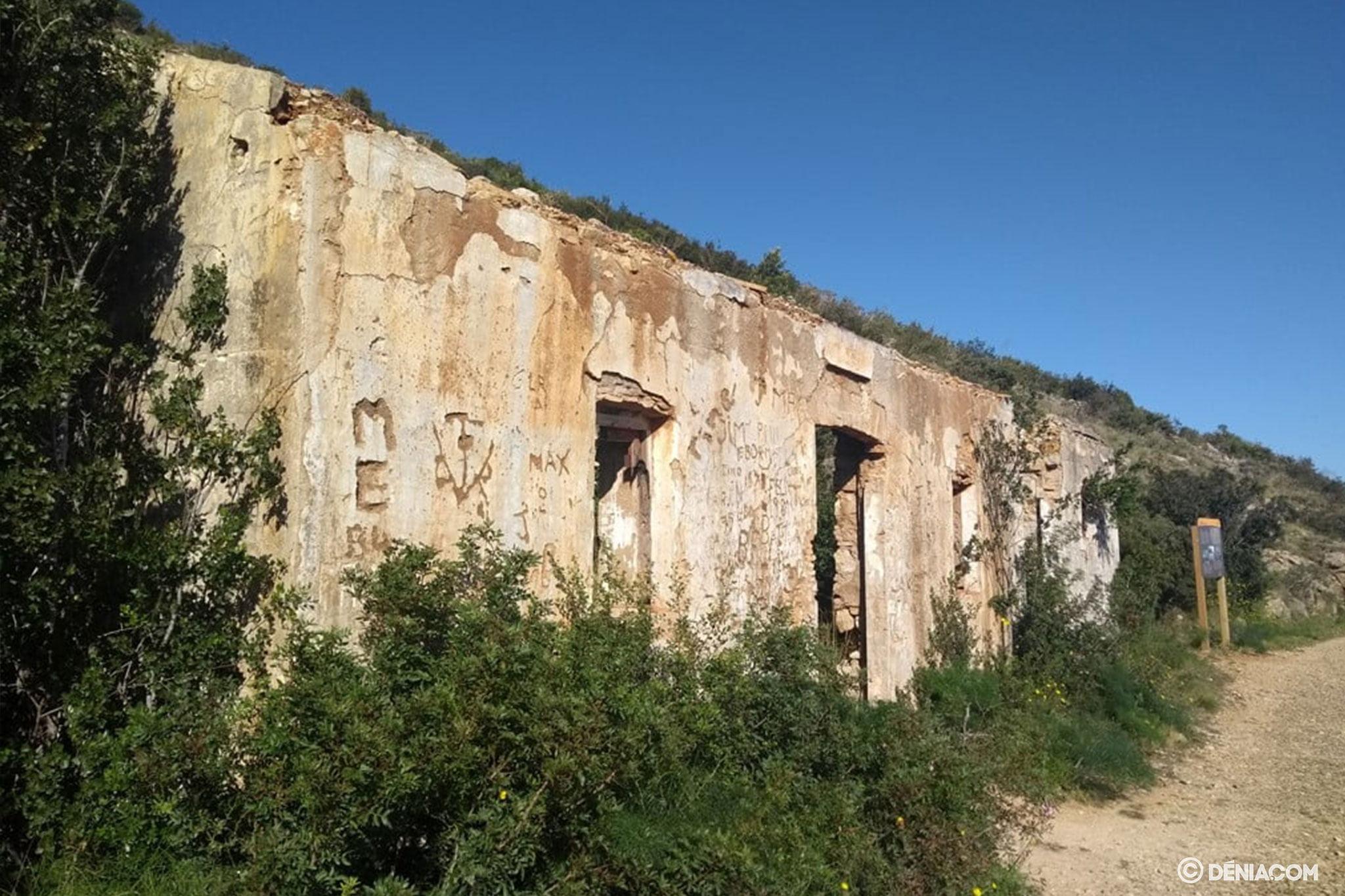 Restos de una casa de la Colònia del Montgó