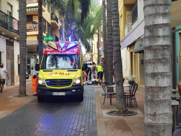 Afbeelding: De SAMU verzorgt de behandeling van de gewonden in de Loreto-straat
