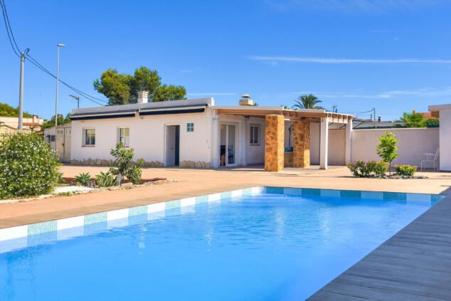 Image: Exterior of a rental house in Dénia - Aguila Rent a Villa