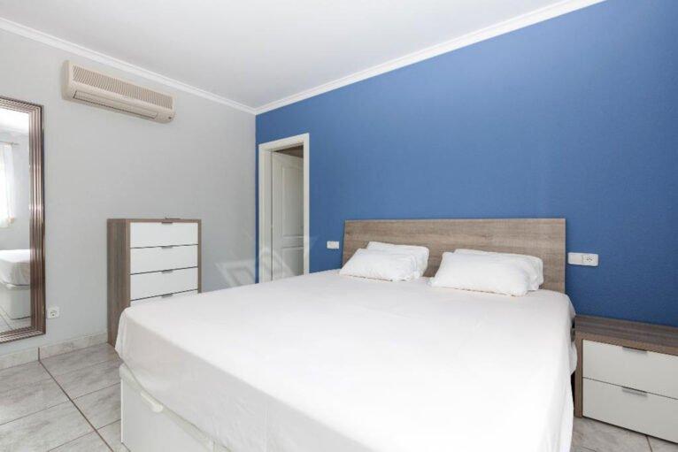 Habitación de una casa en alquiler vacacional en Dénia - Quality Rent a Villa