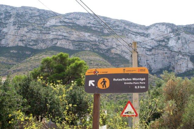 Imagen: Inicio de varias rutas por el Montgó junto a la ermita del Pare Pere | Imagen: Tino Calvo