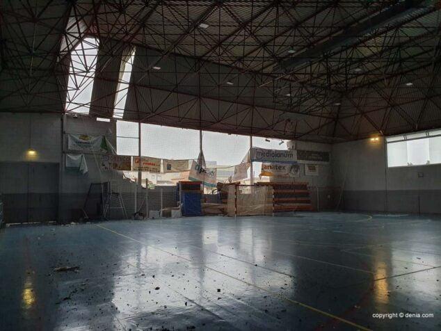 Imagen: Interior del polideportivo tras la DANA de 2019