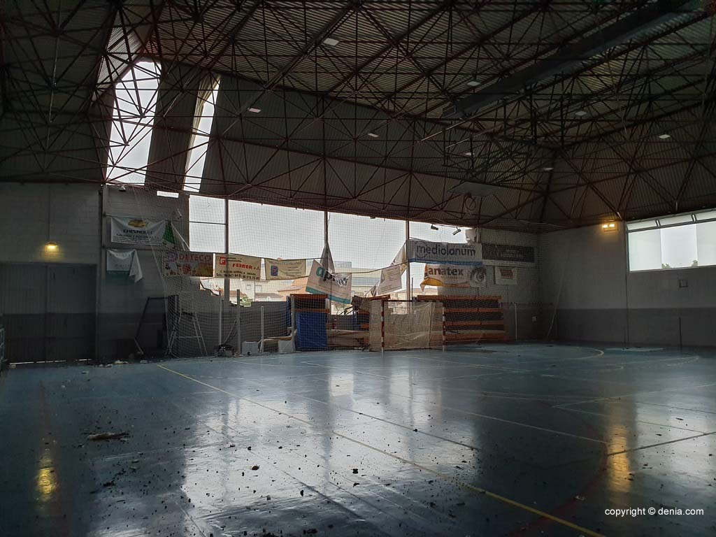 Interior del polideportivo tras la DANA de 2019
