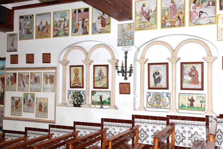 Interior de la ermita del Pare Pere en Dénia | Imagen: Tino Calvo