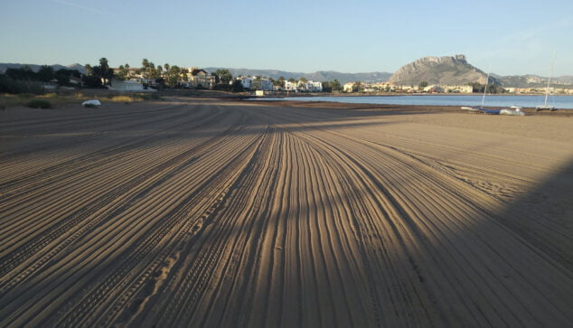 Image: Cleaning on the beaches of Dénia