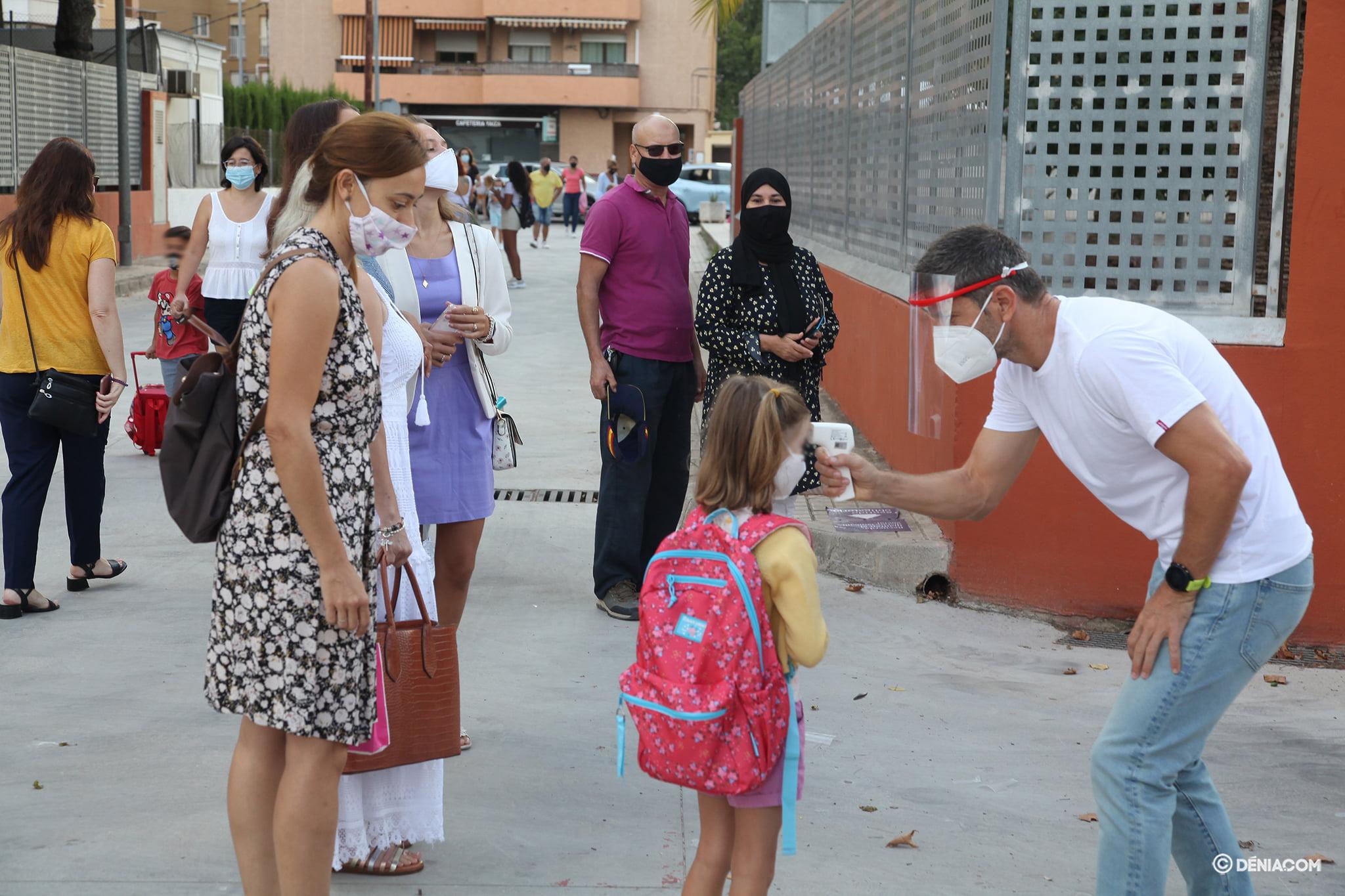 Los alumnos del Pou de la Muntanya vuelven a las aulas | Tino Calvo