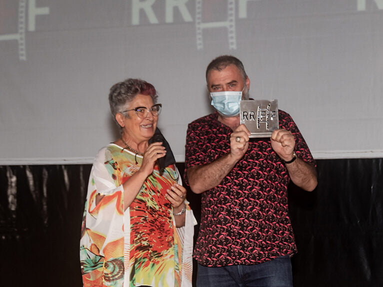 Max Lemke recogiendo el premio en Dénia como Mejor Director de Cortometraje   Jordi Dominguis