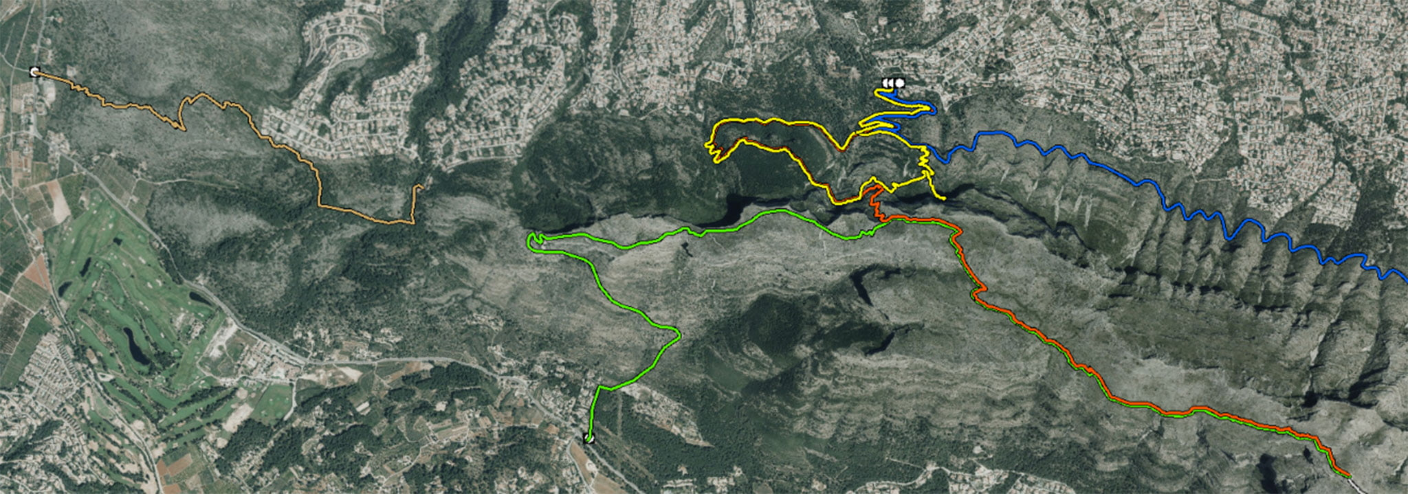 Ruta Benimaquia-Coll de Pous, marcada en marrón claro, a la izquierda de la imagen (Fuente: Parques Naturales de la Generalitat Valenciana)