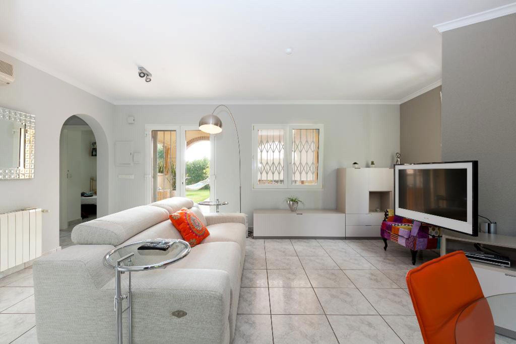 Salón de una casa en alquiler vacacional en Dénia – Quality Rent a Villa