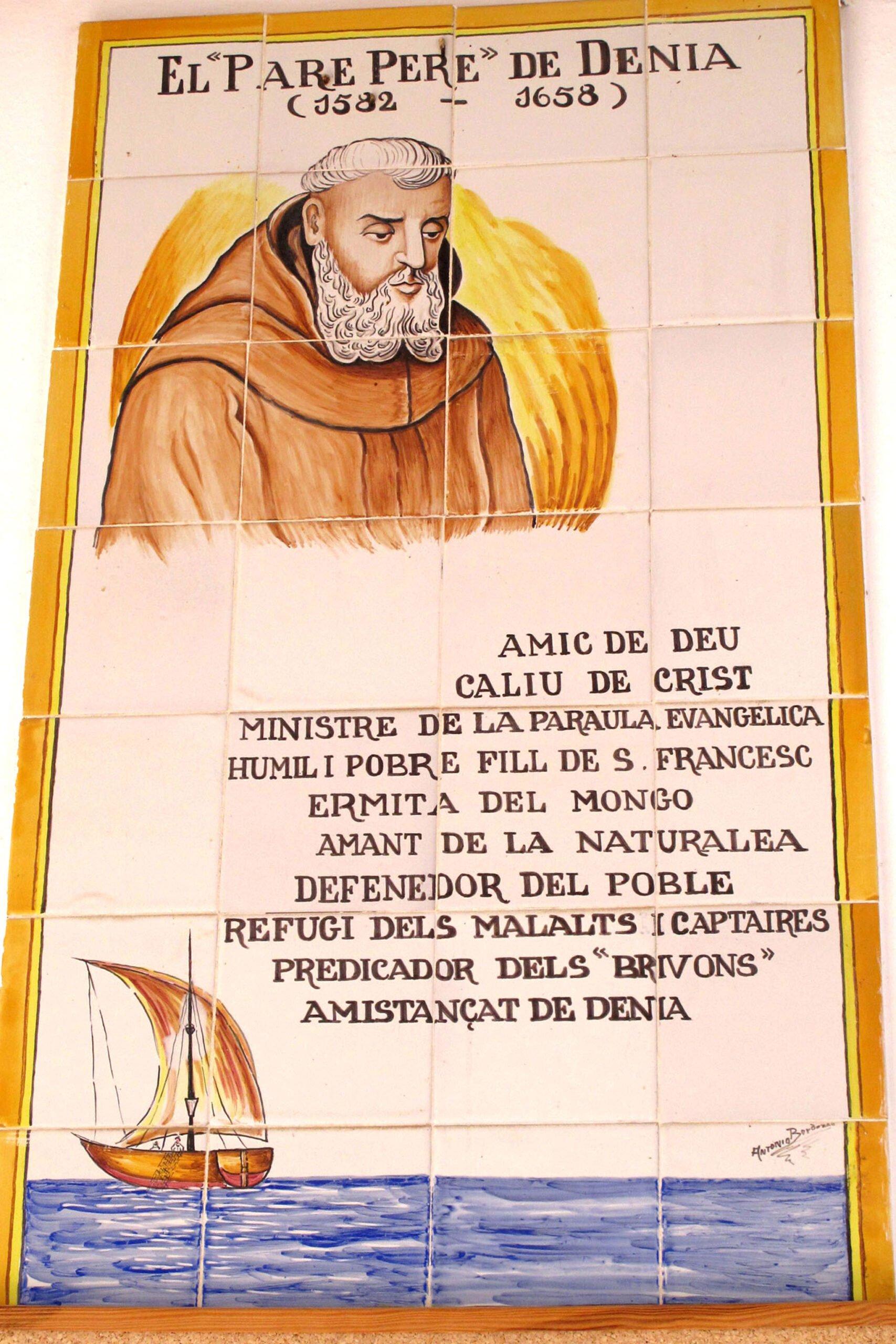 Sobre el Pare Pere, en su ermita en Dénia | Imagen: Tino Calvo