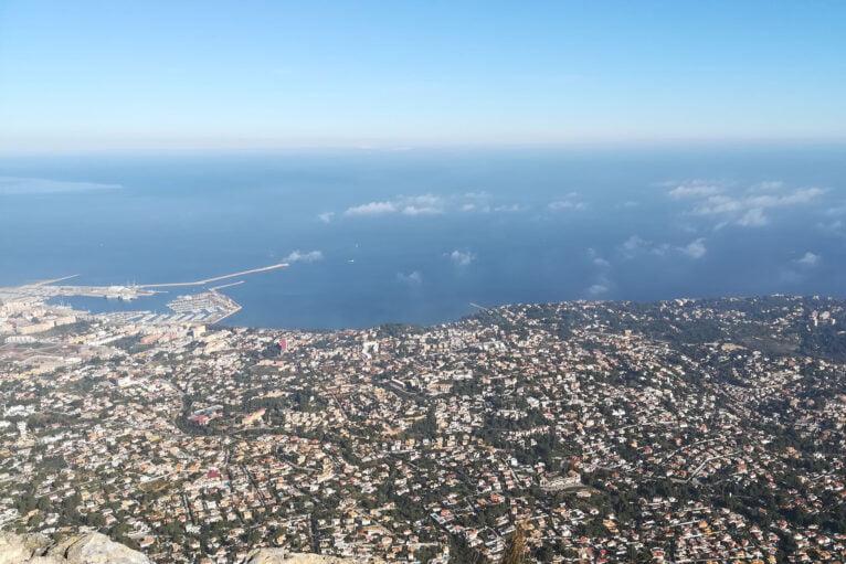 Vistas de Dénia desde la cima del Montgó