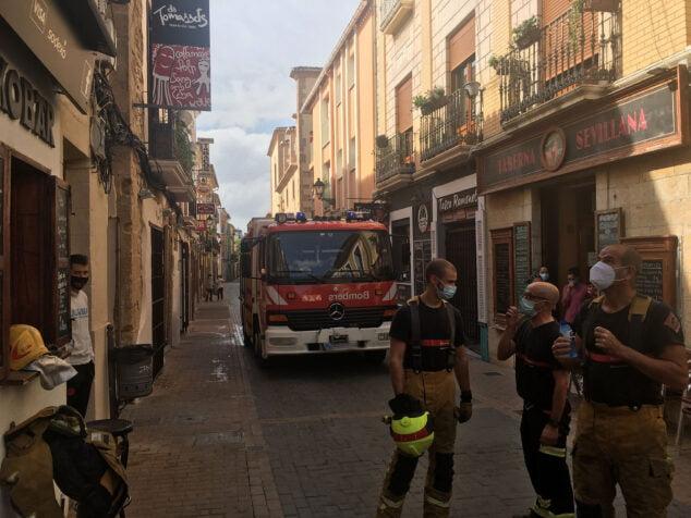 Image: Firefighters' performance on Loreto street