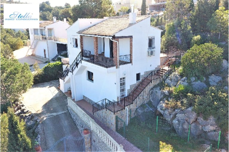Exterior d'una casa a la venda a La Sella, Pedreguer - Stella Inmo Consulting