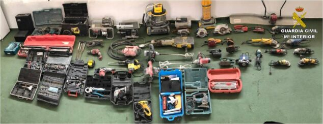 Image: Tools recovered in Calp