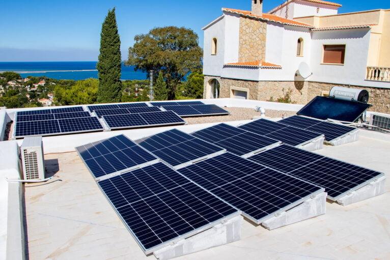 Instalación paneles solares en Jávea – SUN & PROJECTS