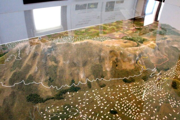 Image: Model of the Montgó in the Interpretation Center of the Montgó Natural Park
