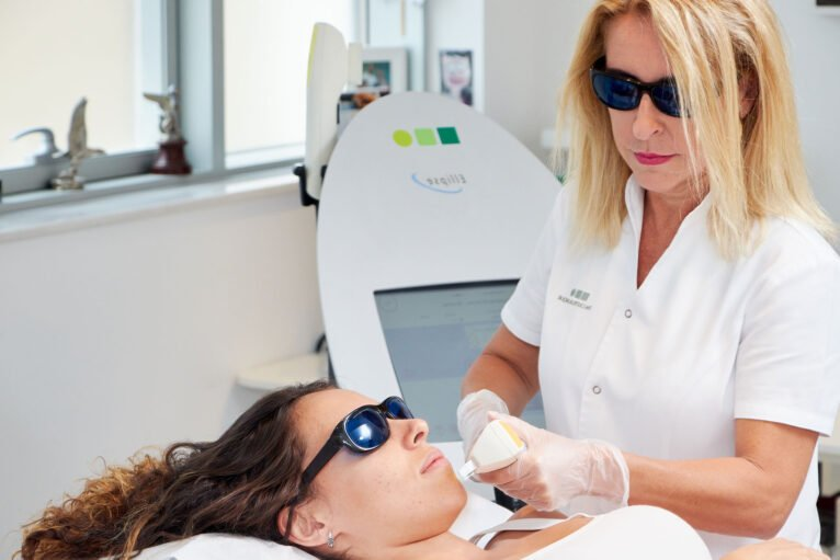 Second free zone offer in laser hair removal - Castelblanque Aesthetic Clinic