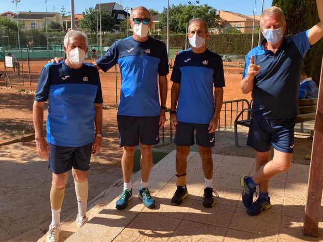 Image: Veterans of the Dénia Tennis Club