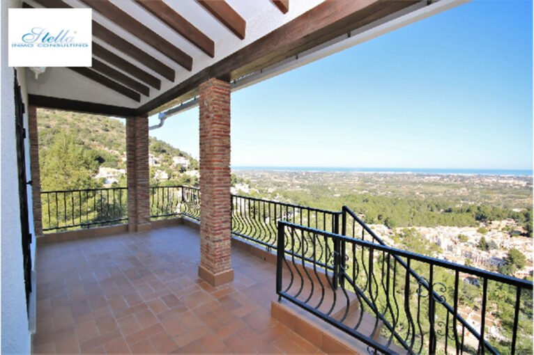 Terrassa d'una vila en venda a La Sella, Pedreguer - Stella Inmo Consulting