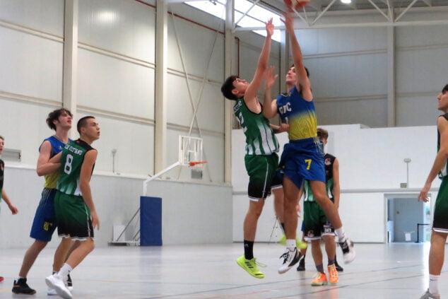 Imagen: Enfrentamiento del junior masculino contra el Ilicitano
