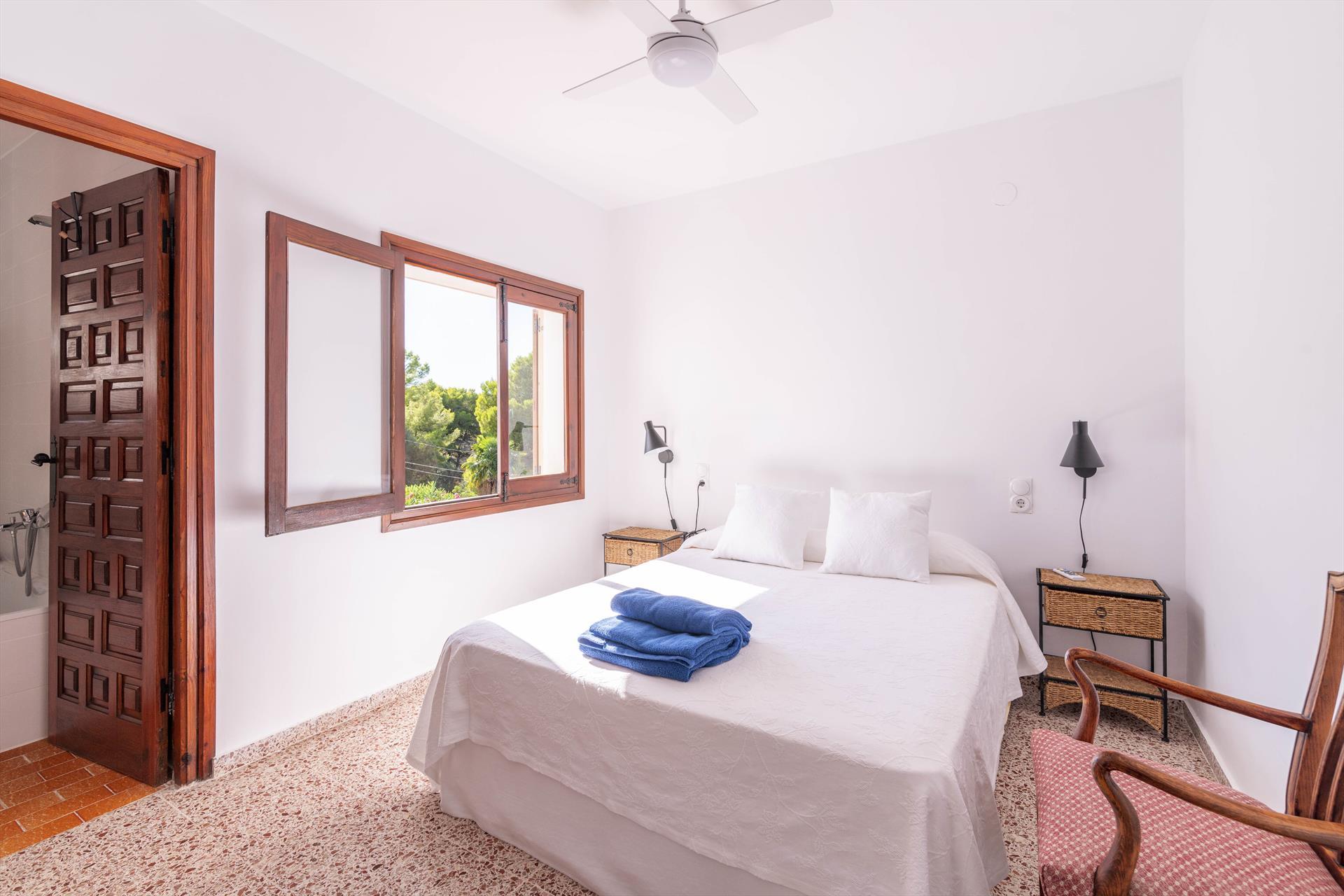 Habitación de una casa de vacaciones para siete personas en Dénia – Aguila Rent a Villa
