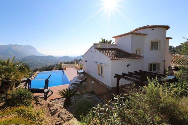 Imatge: Imatge exterior d'una vila amb vistes impressionants a La Sella - Promocions Dénia, SL