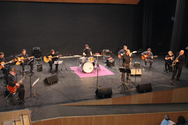 Immagine: Nova Companyia de Guitarres de Dénia presso il Centro sociale
