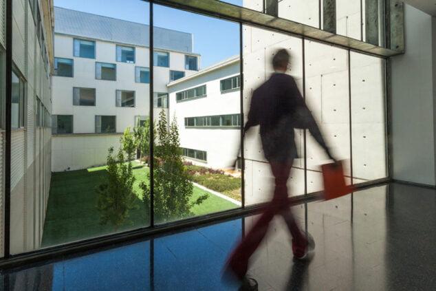 Imagen: Pasillo del Hospital de Dénia