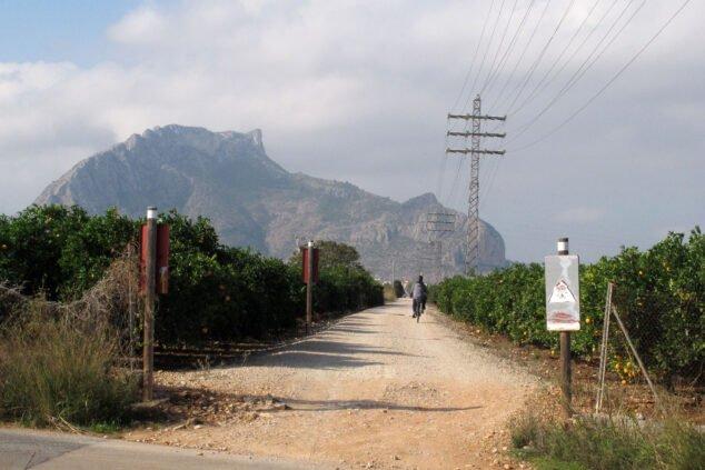 Image: The silhouette of the Sierra de Segaria, at one end of the Via Verde de Dénia