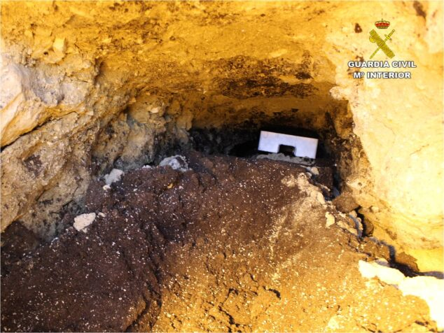 Imagen: Túnel subterráneo para engancharse a la luz