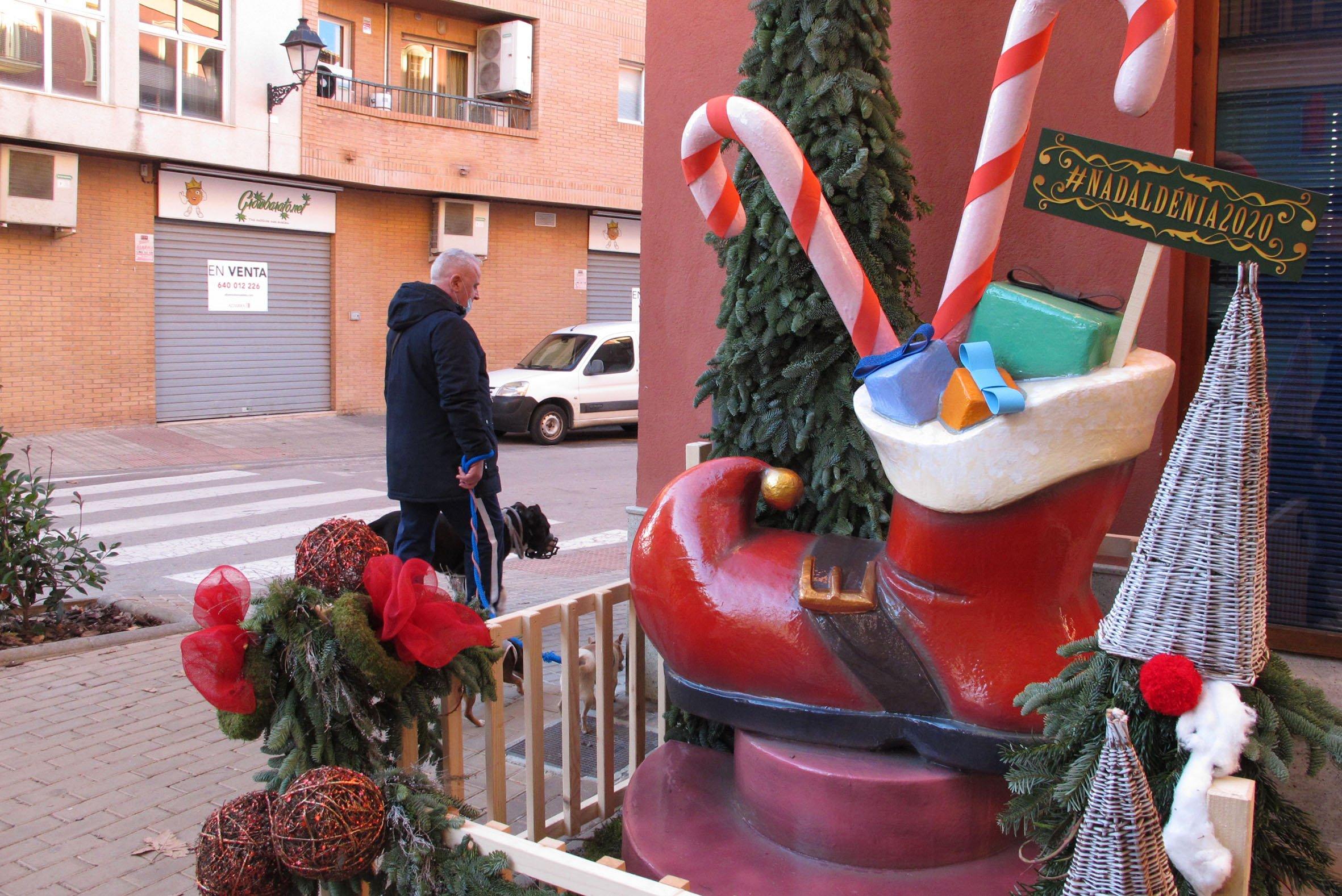 Bota de Papá Noel en Av.Valencia con calle Loreto