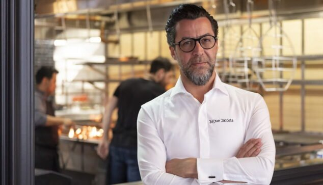 Imagen: El chef Quique Dacosta en su restaurante