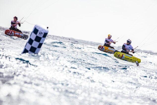 Imagen: El Kitesurfista de Dénia durante la competición