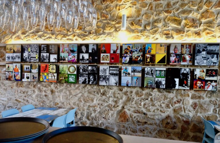 Photographic exhibition of John Lillie in 'Al Forn'