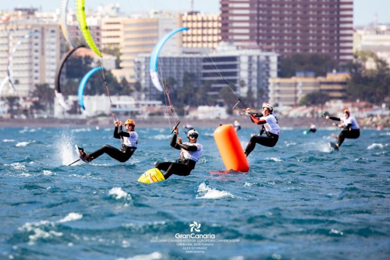 Kitesurfistas en el Campeonato de Canarias