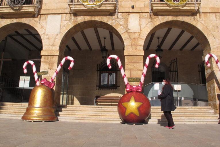 Monumentos falleros navideños en la Plaza de la Constitución