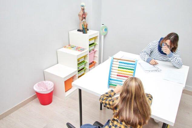 Imagen: Atención especializada de psicología infantojuvenil en Dénia - De Pe A Pa Clases Particulares