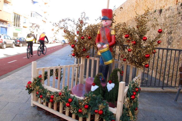 El conocido tamborilero es monumento en Les Roques