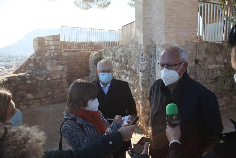 Vicent Grimalt explica el proyecto del Verger Alt del Castillo de Dénia