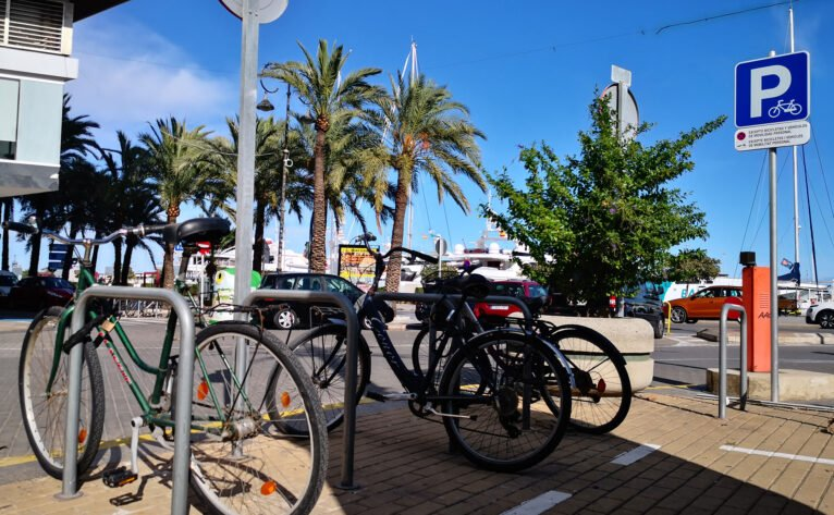 Bike parking at the end of Marqués de Campo in Dénia, made thanks to the Participatory Budgets