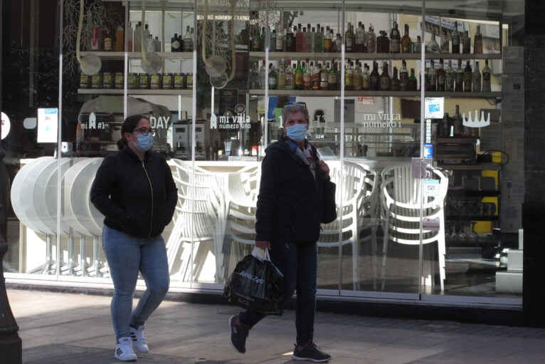 Downtown Dénia bar closed due to restrictions