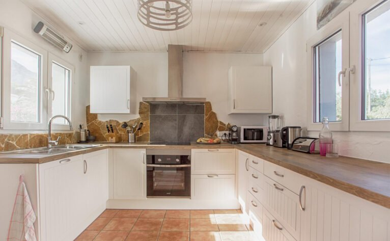 Kitchen in a luxury vacation home in Dénia - Quality Rent a Villa
