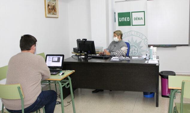 Image: Cours de préparation aux tests UNED Dénia Access